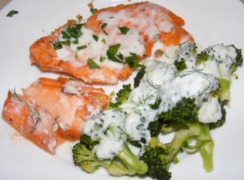somon cu broccoli si sos de usturoi dieta dukan