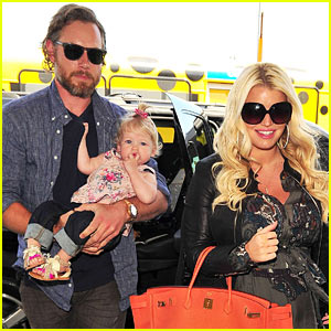 jessica-simpson-eric-johnson-maxwell-justjared com