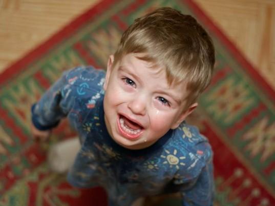 copil plange inhabitots.com / Pedepsele corporale la copii