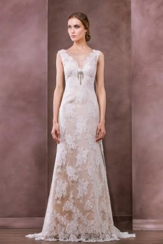 Luminita Cosleacara recomanda rochia Klara - Divine