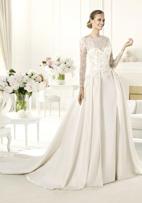 Ellie Saab / Luminita Cosleacara - sfaturi vestimentare pentru nunta de vis, de la malul marii