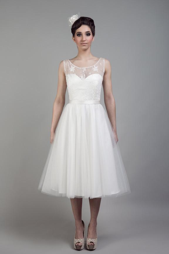 Rochie scurta de mireasa / Luminita Cosleacara - sfaturi vestimentare pentru nunta de vis, de la malul marii
