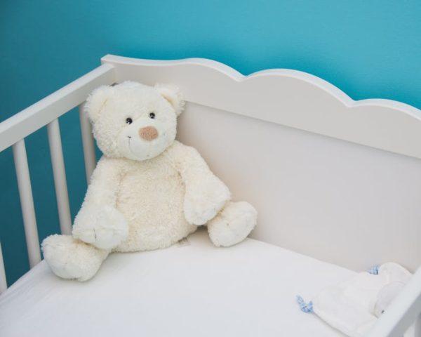 5 lucruri care nu trebuie sa lipseasca din camera bebelusului tau