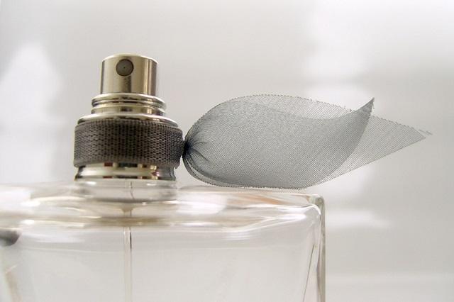 6 cele mai populare marci de parfumuri pentru femei